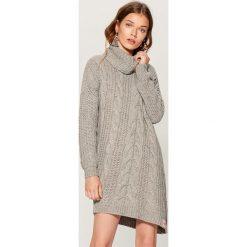 Długi sweter Little Friends - Szary. Szare swetry klasyczne damskie marki Mohito, l. Za 159,99 zł.