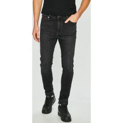 Tommy Jeans - Jeansy Simon. Czarne jeansy męskie skinny marki Tommy Jeans. Za 449,90 zł.