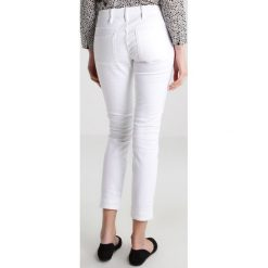 GStar 5620 3D ANKLE MID SKINNY  Jeans Skinny Fit inza white. Białe jeansy damskie marki G-Star, z bawełny. W wyprzedaży za 229,50 zł.