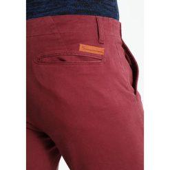 Chinosy męskie: Knowledge Cotton Apparel PISTOL JOE Spodnie materiałowe tawny red