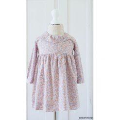 Bawełniana sukienka w kwiatuszki. Szare sukienki dziewczęce z falbanami Pakamera, z bawełny. Za 189,00 zł.