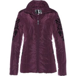 Kurtka pikowana z aksamitnym nadrukiem bonprix czarny bez. Fioletowe kurtki damskie pikowane marki bonprix, z nadrukiem. Za 139,99 zł.