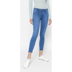 Tally Weijl - Jeansy Goldy. Niebieskie jeansy damskie rurki TALLY WEIJL, z bawełny, z obniżonym stanem. W wyprzedaży za 79,90 zł.