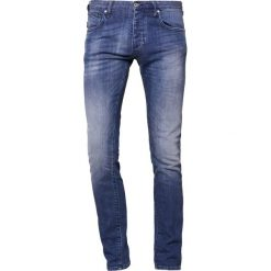 Emporio Armani Jeansy Straight Leg denim blu. Niebieskie jeansy męskie Emporio Armani. W wyprzedaży za 493,35 zł.