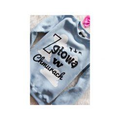 Bluza Baby Blue Z głową w chmurach!. Czarne bluzy z nadrukiem damskie marki ŁAP NAS, l, z bawełny. Za 149,00 zł.