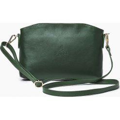Skórzana Włoska zielona torebka listonoszka MELANIA. Zielone torby na ramię męskie marki Vera Pelle, w paski, ze skóry, małe. Za 179,00 zł.