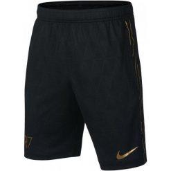 Nike Spodenki Piłkarskie cr7 B Nk Dry Acdmy Short Kz/Black/Metallic Gold/Metallic Gold S. Czarne spodenki chłopięce marki Nike, klasyczne. Za 105,00 zł.
