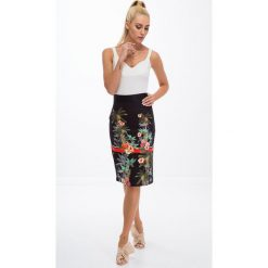 Spódniczki: Czarna ołówkowa spódnica we wzory 8401