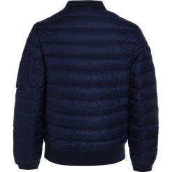 Polo Ralph Lauren BOMBER OUTERWEAR Kurtka puchowa newport navy. Niebieskie kurtki chłopięce zimowe marki Polo Ralph Lauren, z materiału. W wyprzedaży za 439,20 zł.