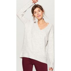 Sweter oversize - Szary. Szare swetry oversize damskie marki Mohito, l. Za 99,99 zł.