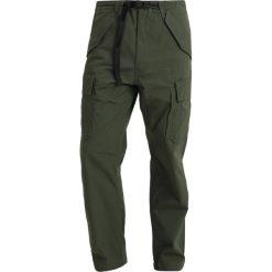 Levi's® T2MS CARRIER PANT Bojówki lodge green. Białe bojówki męskie marki Levi's®, z bawełny. Za 369,00 zł.