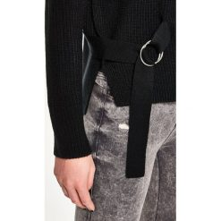 Sweter z wiązaniem - Czarny. Czarne swetry klasyczne damskie marki Sinsay, l. Za 59,99 zł.