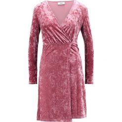 Sukienki hiszpanki: Moves KAELYN Sukienka z dżerseju orchid rose