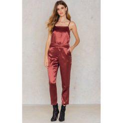 Spodnie damskie: NA-KD Party Metaliczne spodnie prostymi nogawkami - Red,Copper