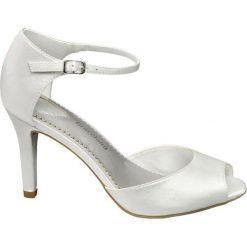 Sandały damskie na obcasie Graceland białe. Czarne sandały damskie marki Graceland, w kolorowe wzory, z materiału. Za 44,00 zł.