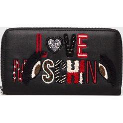 Love Moschino - Portfel. Czarne portfele damskie marki Love Moschino, z materiału. Za 449,90 zł.