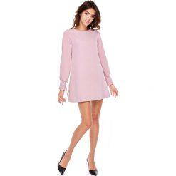 Różowa Wizytowa Sukienka Trapezowa z Wiązaniem na Rękawach. Różowe sukienki balowe marki numoco, l, z dekoltem w łódkę, oversize. Za 188,90 zł.