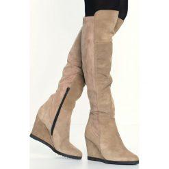 KIOMI Kozaki na obcasie croccante. Brązowe buty zimowe damskie KIOMI, z materiału, na obcasie. W wyprzedaży za 254,50 zł.