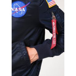 Alpha Industries NASA Kurtka Bomber replica blue. Czerwone kurtki męskie bomber marki Reserved, l. Za 759,00 zł.