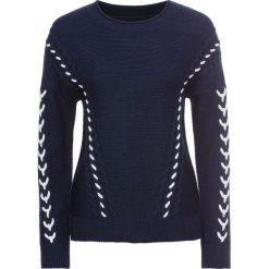 Sweter dzianinowy ze sznurowaną wstawką bonprix ciemnoniebiesko-biały. Niebieskie swetry klasyczne damskie marki bonprix, z dzianiny, ze sznurowanym dekoltem. Za 109,99 zł.