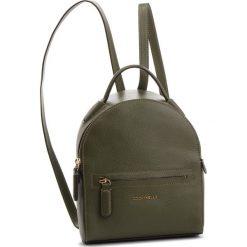 Plecak COCCINELLE - CF8 Clementine Soft E1 CF8 54 01 01 Caper G02. Zielone plecaki damskie Coccinelle, ze skóry, eleganckie. Za 1149,90 zł.