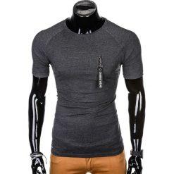 T-SHIRT MĘSKI Z NADRUKIEM S1011 - GRAFITOWY. Szare t-shirty męskie z nadrukiem marki Ombre Clothing, m, z bawełny. Za 35,00 zł.