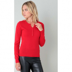Sweter w kolorze czerwonym. Czerwone swetry klasyczne damskie marki William de Faye, z kaszmiru. W wyprzedaży za 136,95 zł.