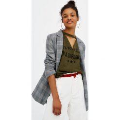 T-shirty damskie: Koszulka z dekoltem z chokerem i napisem