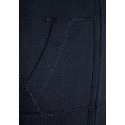Abercrombie & Fitch CORE Bluza rozpinana navy. Niebieskie bluzy chłopięce rozpinane Abercrombie & Fitch, z bawełny. W wyprzedaży za 143,20 zł.