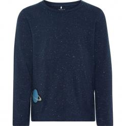 """Koszulka """"Rasoni"""" w kolorze granatowym. Niebieskie t-shirty chłopięce z długim rękawem Name it Kids, z aplikacjami, z bawełny. W wyprzedaży za 32,95 zł."""