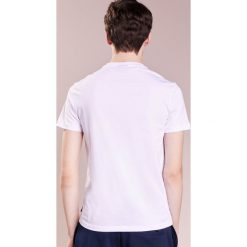 Emporio Armani LOGO Tshirt z nadrukiem bianco ottico. Białe koszulki polo Emporio Armani, m, z nadrukiem, z bawełny. Za 379,00 zł.