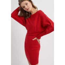 Sukienki: Sukienka swetrowa z rozcięciami na rękawach