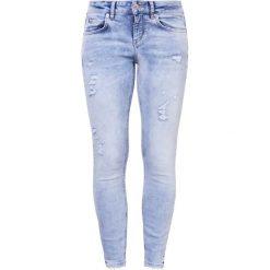 DRYKORN MOVIE Jeans Skinny Fit lightblue denim. Niebieskie boyfriendy damskie DRYKORN. W wyprzedaży za 353,40 zł.