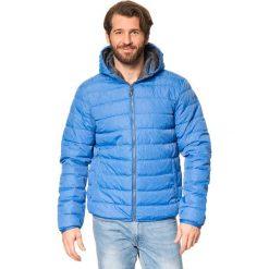Kurtka funkcyjna w kolorze niebieskim. Niebieskie kurtki męskie marki GALVANNI, l, z okrągłym kołnierzem. W wyprzedaży za 227,95 zł.