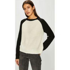 Noisy May - Sweter. Szare swetry klasyczne damskie Noisy May, l, z dzianiny, z okrągłym kołnierzem. Za 89,90 zł.