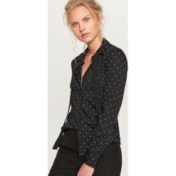 Koszula z wiązaniem przy kołnierzu - Czarny. Białe koszule wiązane damskie marki Reserved, l, z dzianiny. Za 59,99 zł.