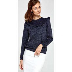 Swetry klasyczne damskie: Granatowy Sweter z Falbanką
