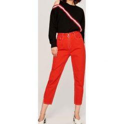 Jeansy damskie: Jeansy z wysokim stanem - Czerwony