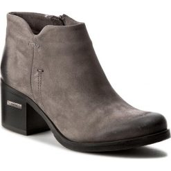 Botki CARINII - B3752  G65-000-POL-861. Szare buty zimowe damskie Carinii, z nubiku. W wyprzedaży za 209,00 zł.