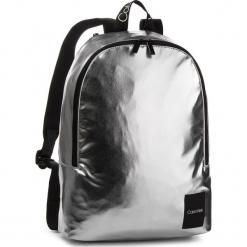 Plecak CALVIN KLEIN - Item Story Backpack K50K504201 067. Szare plecaki męskie Calvin Klein, ze skóry ekologicznej. Za 399,00 zł.
