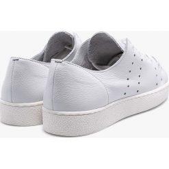 Gino Rossi - Buty Yasu. Szare buty sportowe damskie marki Gino Rossi, z gumy. W wyprzedaży za 299,90 zł.