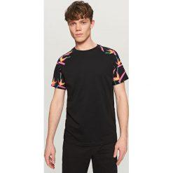 T-shirty męskie: T-shirt z raglanowym rękawem – Czarny