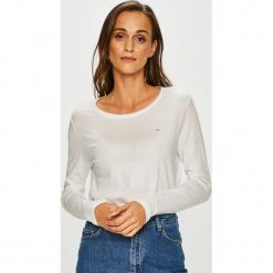 Tommy Jeans - Bluzka. Szare bluzki asymetryczne Tommy Jeans, l, z bawełny, z okrągłym kołnierzem. Za 179,90 zł.