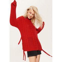 Sweter o grubym splocie - Czerwony. Czerwone swetry klasyczne damskie House, l, ze splotem. Za 89,99 zł.