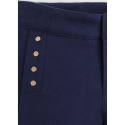 Mayoral - Spodnie dziecięce 98-134 cm. Różowe rurki dziewczęce marki Mayoral, z bawełny, z okrągłym kołnierzem. Za 114,90 zł.
