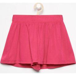 Krótkie spodenki - Różowy. Czerwone spodenki dziewczęce Reserved. W wyprzedaży za 24,99 zł.