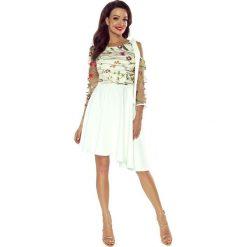 NEVA  asymetryczna sukienka z koronkową górą ecru. Szare długie sukienki Bergamo, z koronki, z asymetrycznym kołnierzem, z długim rękawem, asymetryczne. Za 259,99 zł.