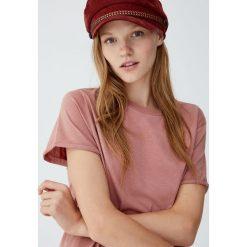 Koszulka basic z krótkim rękawem. Różowe t-shirty damskie Pull&Bear. Za 29,90 zł.