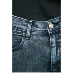 Wrangler - Jeansy. Niebieskie jeansy damskie rurki Wrangler, z podwyższonym stanem. W wyprzedaży za 259,90 zł.