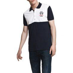 Koszulka polo w kolorze granatowo-białym. Białe koszulki polo Camel Active, Varsity, l. W wyprzedaży za 72,95 zł.
